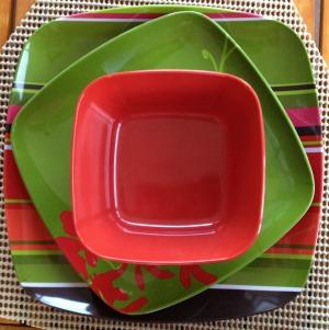 plastic dinner ware